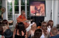Taylor-Swift-Acoustic-Performances-from-RED-Album